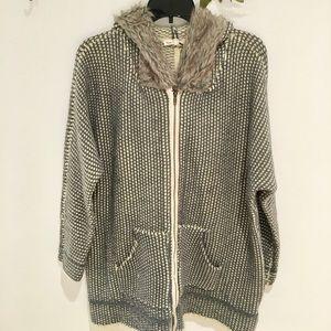 Hem & Thread Zip Up Sweater